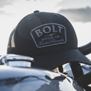 gorra negra Bolt Motor Co.